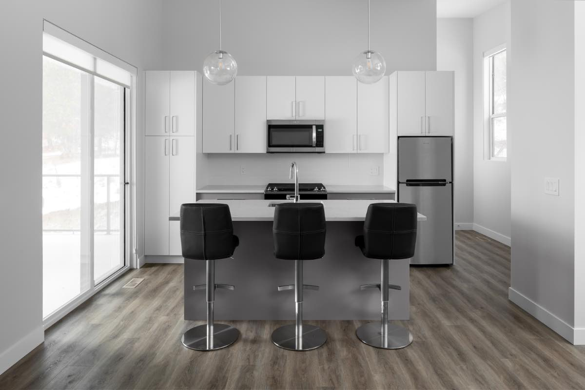 Contemporary Carriage House Breakfast Bar